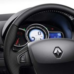 Renault-Fluence-2016-08