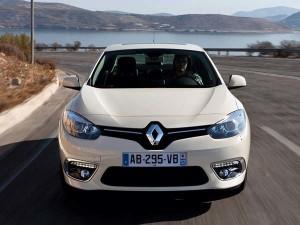 Renault-Fluence-2016-16